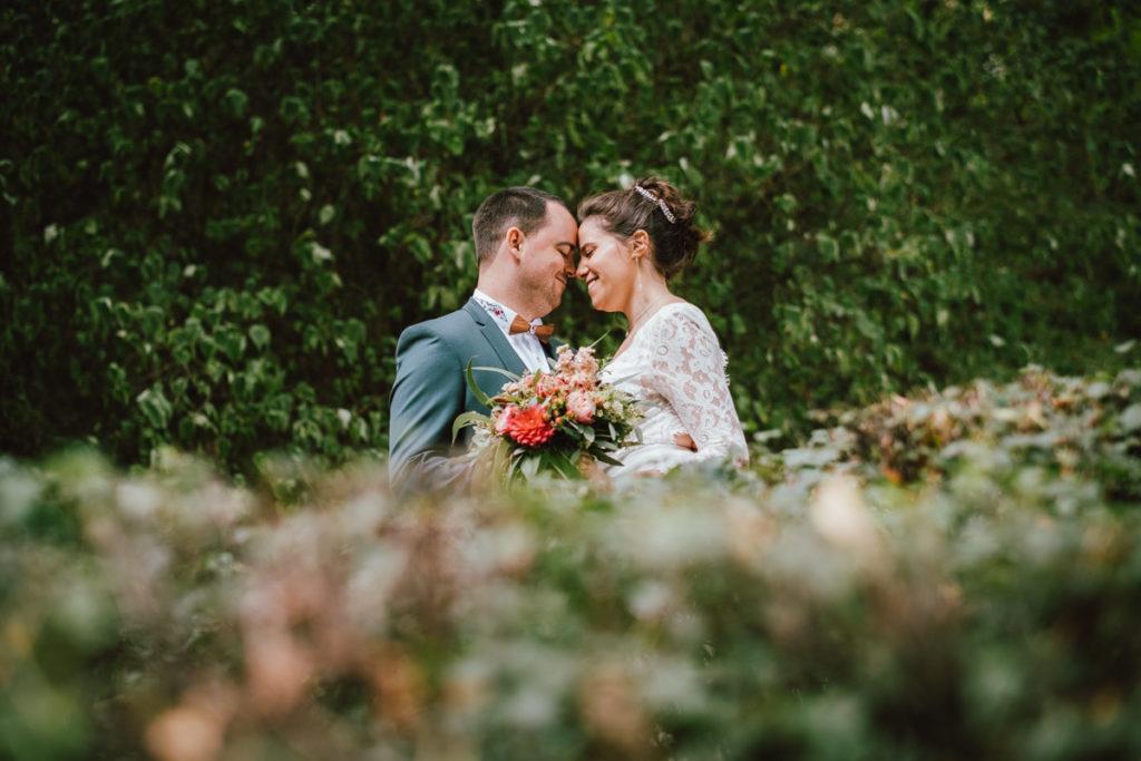 Jeunes mariés à l'abbaye du bois de la cambre à Bruxelles
