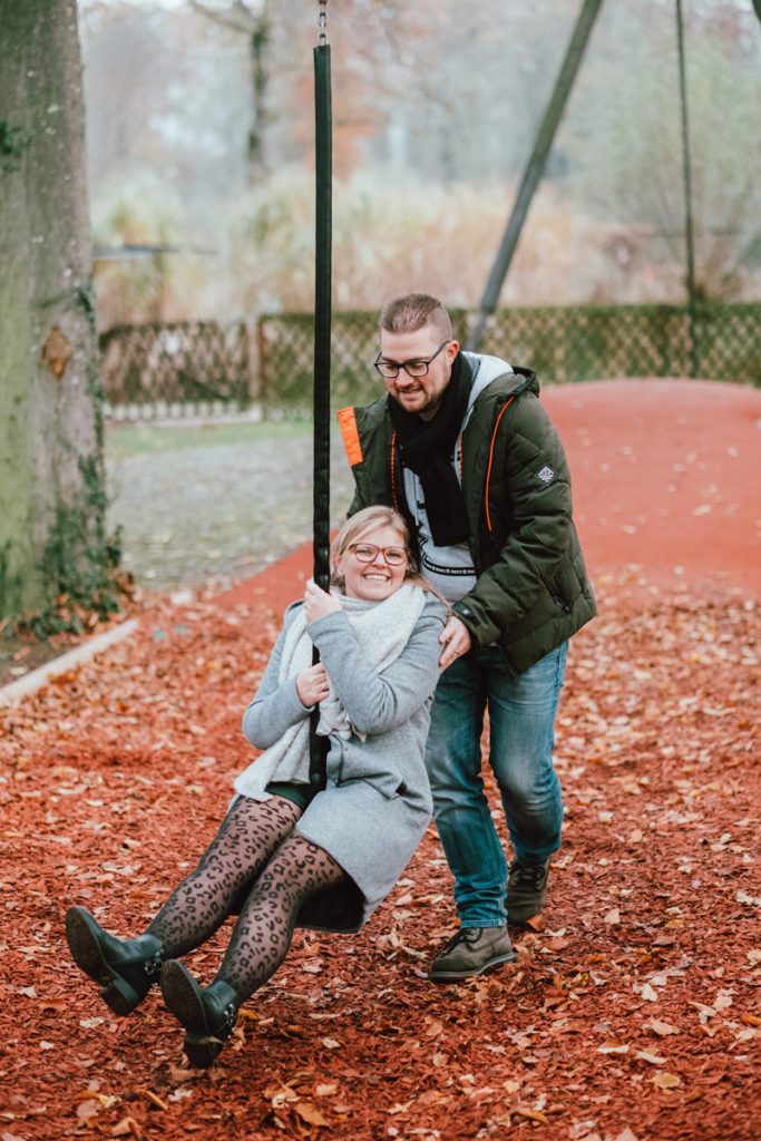 Séance couple aux couleurs de l'automne au château d'Hélécine